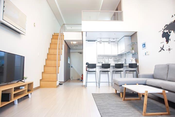 Duplex structure(복층아파트) @Gwanghwamun - SOLAR House
