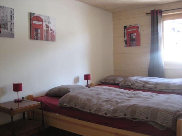Chambre à 2 lits séparés