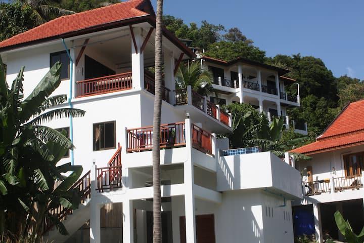 Villa Moore med pool och underbar havsutsikt
