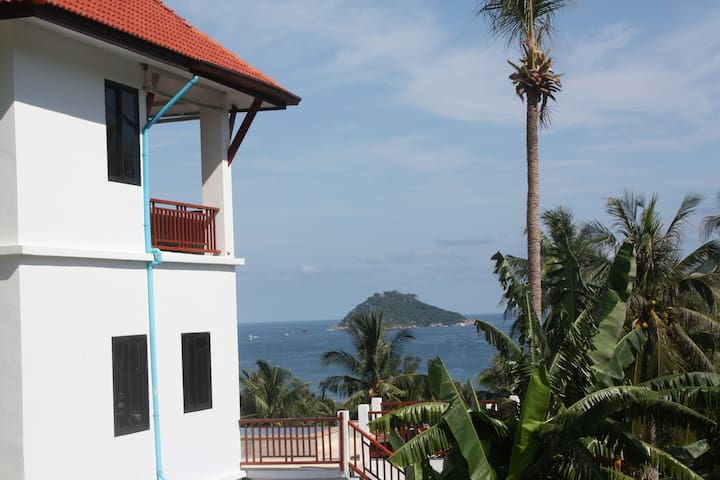 Luxury villa with pool and seaview on Koh Tao