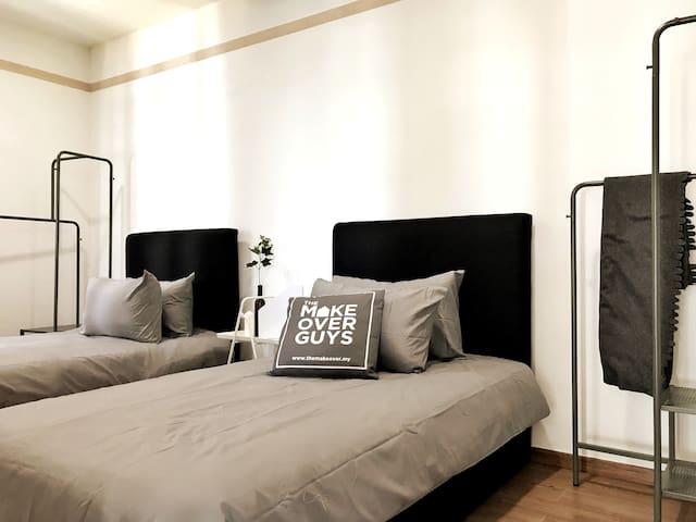 Bedroom 3 (Twin Bed)