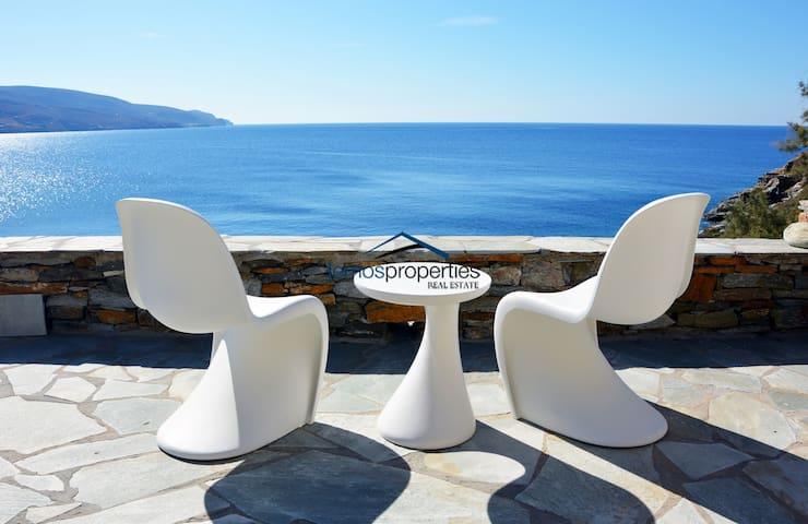Charming & cozy waterfront house in Koundouros