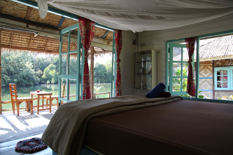 Stilt Bungalows on Lagoon-Klongprao
