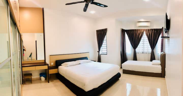 W-Lodge Kuantan FamilyRoom*Stay 3pax  WIFI*ASTRO