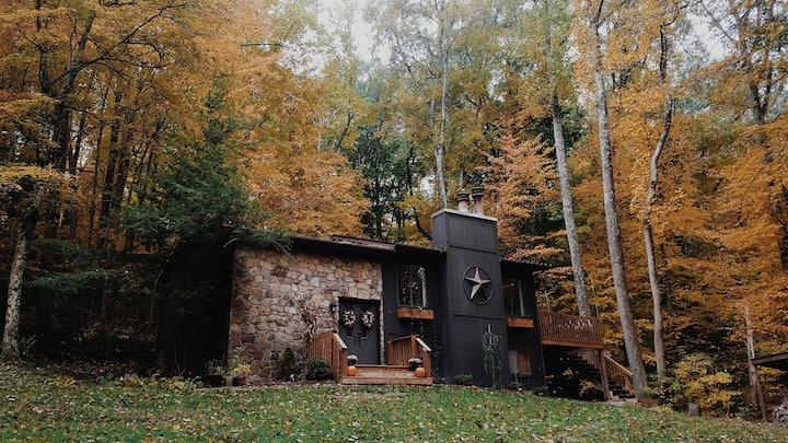 Designer Home in Woods   Entire Floor + Hot Tub