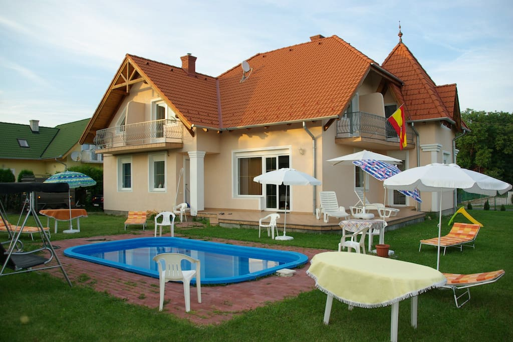 Spanish house in lake balaton houses for rent in for Independent hotels near me