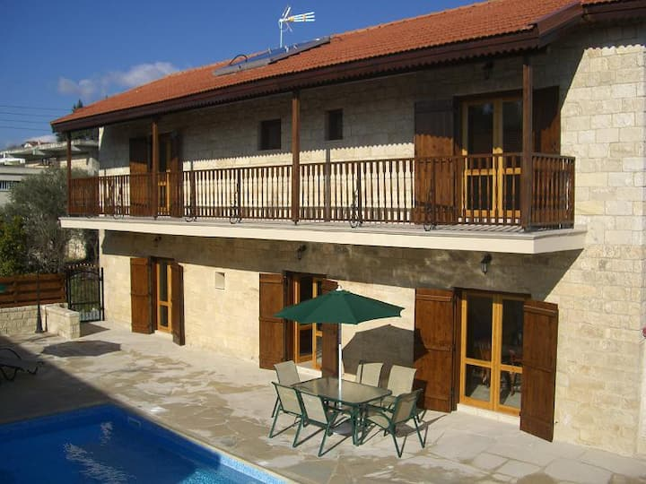 Three  bedroom  Villa with private pool in Pachna
