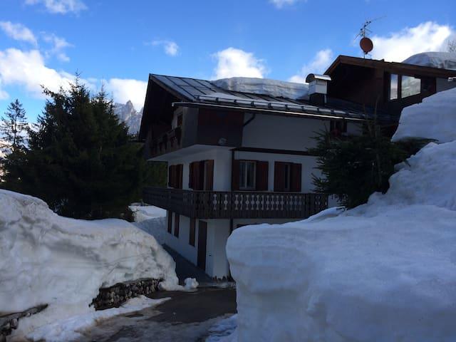 Appartamento con vista a pochi minuti dal centro - Cortina d'Ampezzo - Apartment