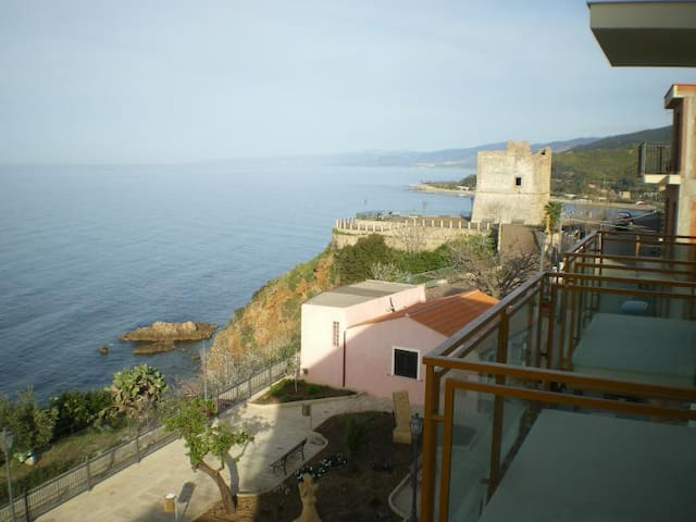 Flat near to the Gulf of Cefalù - Finale - Leilighet
