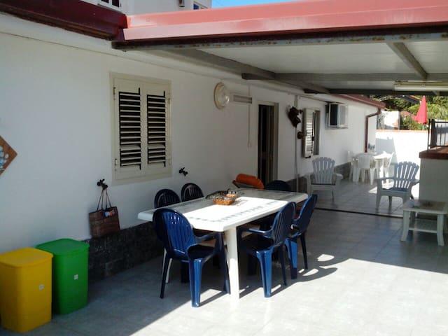 Villino vicino al mare - Sellia Marina - Holiday home