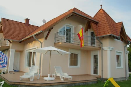 SPANISH HOUSE, STUDIO 1 IN BALATON - Gyenesdiás - Apartment