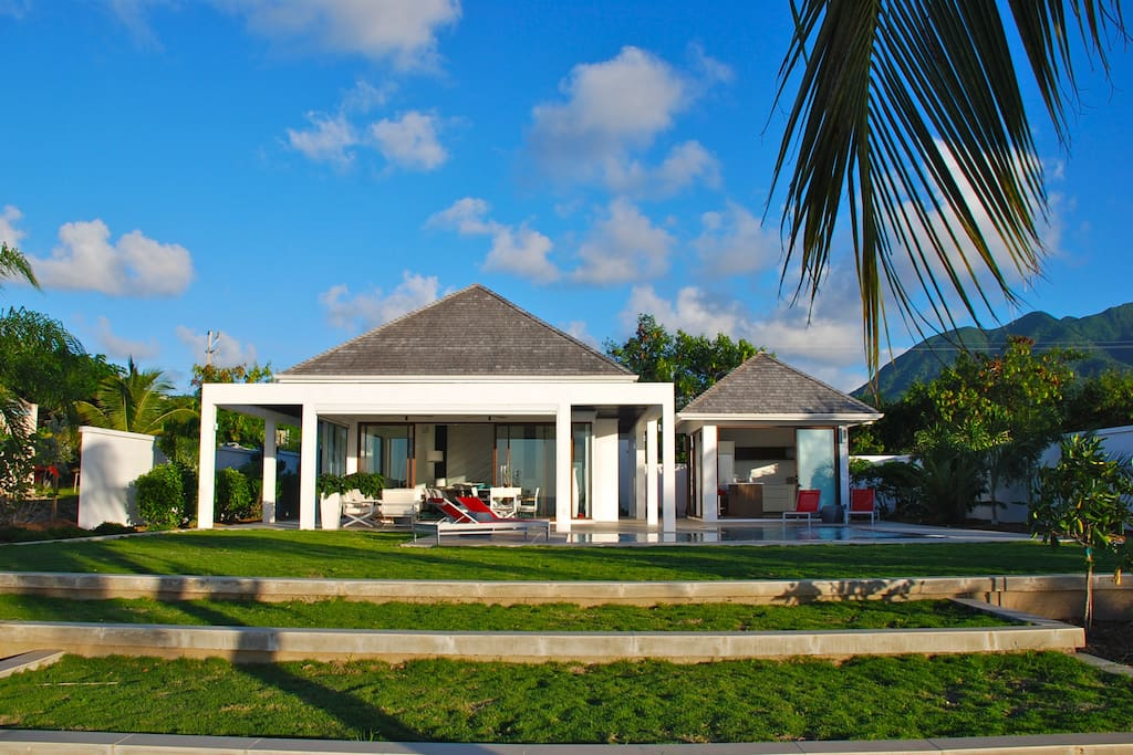 New luxury beach house unaffected of any hurricane for Zenith garden rooms