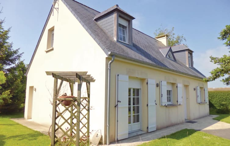 Holiday cottage with 3 bedrooms on 110m² in Morsalines