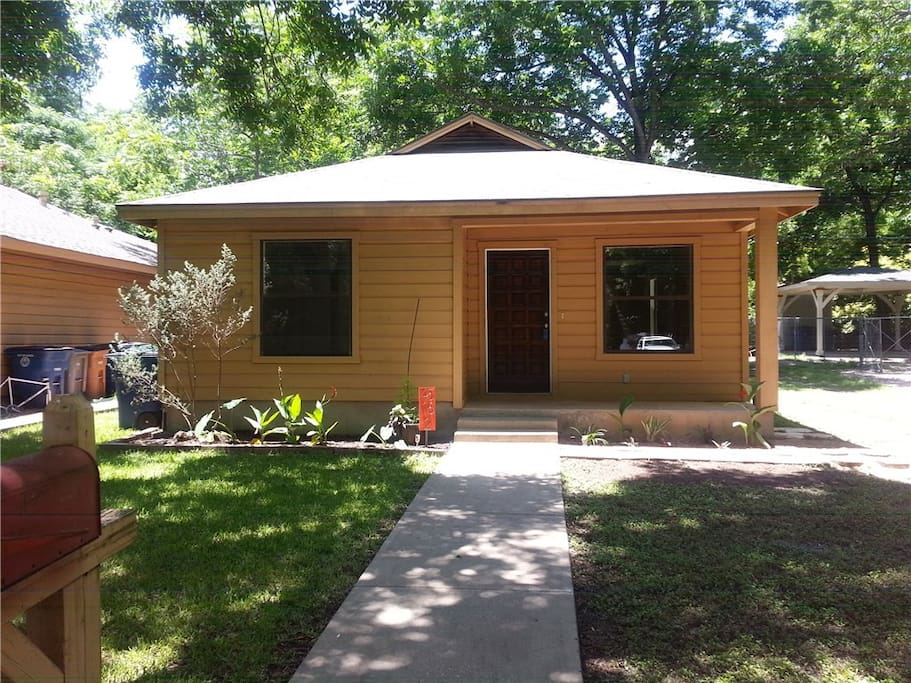This could be your next temporary home in Central Austin! :)
