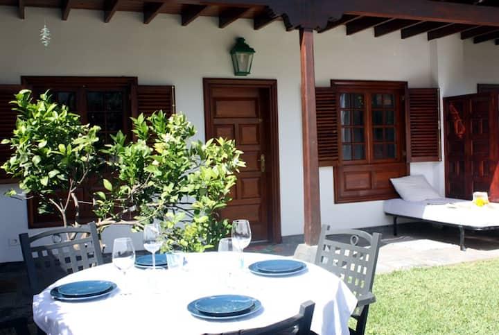 ¡Todo nuevo! Piscina, wifi y jardín privado La Paz