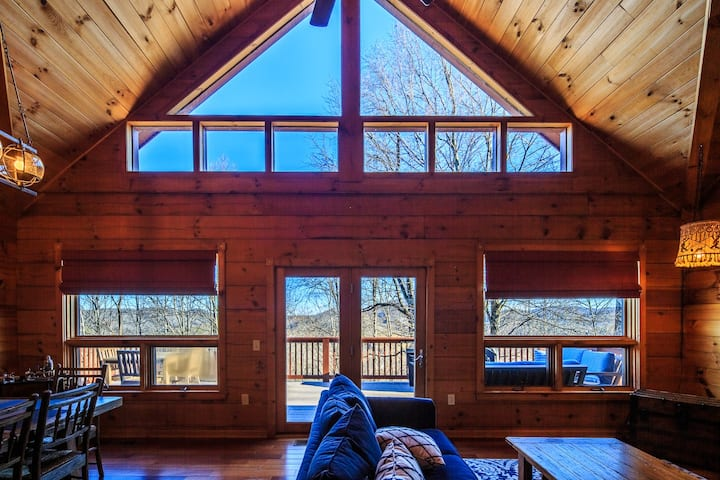 Wildwind Sunset Cabin 5 Min to downtown Boone