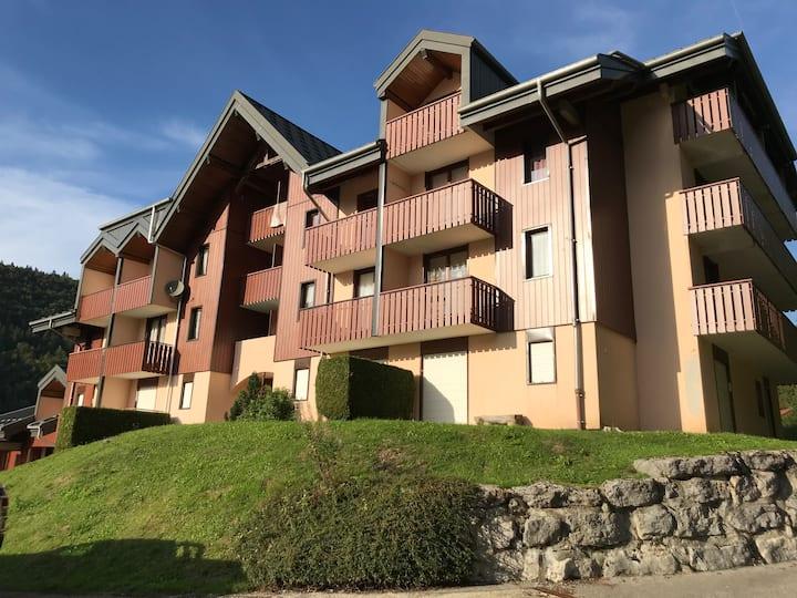 Mijoux : Appartement agréable et idéalement situé