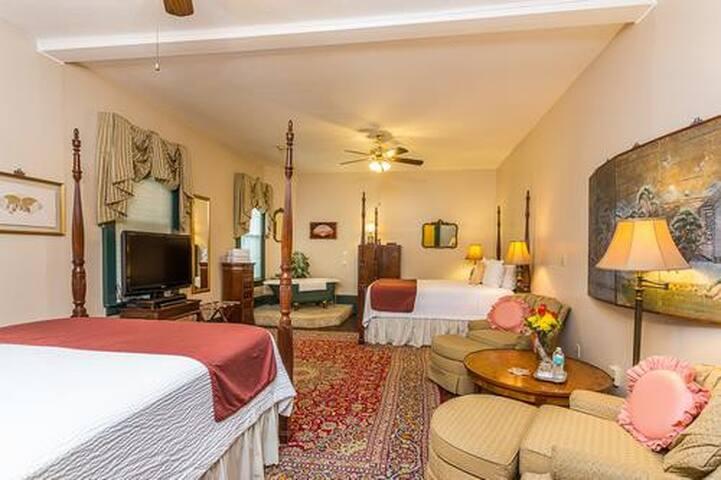 Spencer House Inn Bed & Breakfast - Room 202