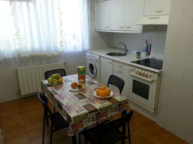 Casa bonita - Barakaldo, Euskadi, ES - Lägenhet
