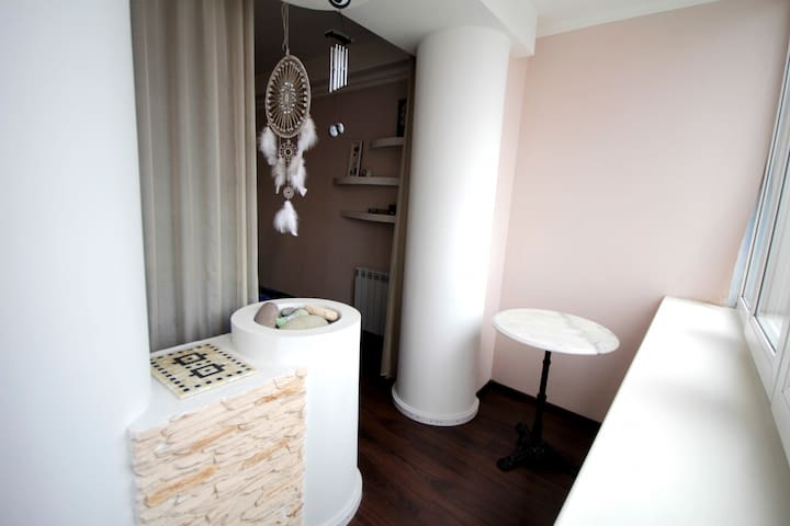 Modern fusion style apartment 2 min. to subway - Kiev - Daire