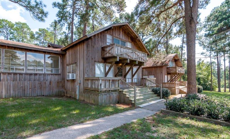 Dogwood Cabin at Tall Timbers Retreat