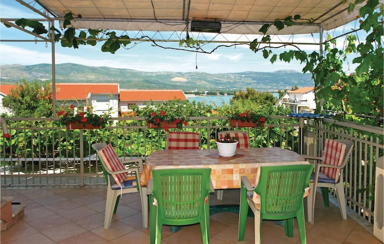 Holiday apartment with 1 bedroom on 45m² in Mastrinka