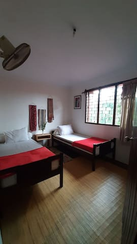 Rumah Jambon Village House - standard twin bed