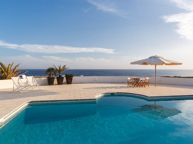 Spectacular Villa in Binidalí with unbeatable sea