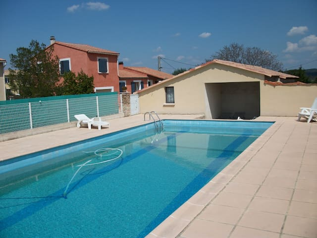 BEDROOMS OR RENTIN HOUSE 4AND6 BEDS - Aigremont - Villa