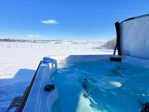 Mountain Retreat at 10,000 feet with Hot Tub