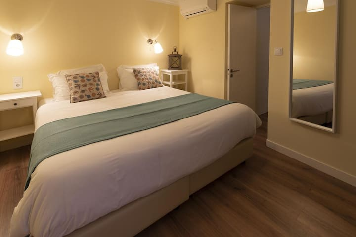 Casa dos Santos - Sintra Apartments 02