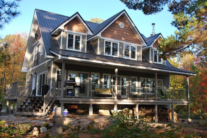 Rally's End Cottage on Warm Six Mile Lake, Muskoka