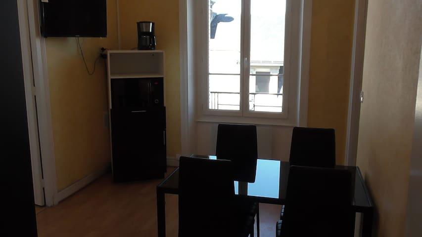 Appartement de 40m2 refait à neuf en centre ville.