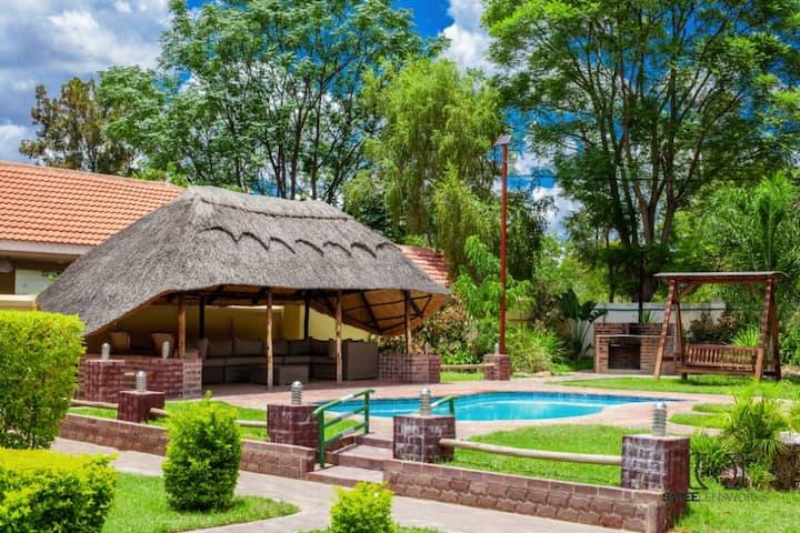 Mavuna Guest Lodge