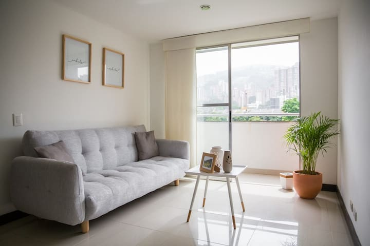 Sunny flat in the heart of Medellín