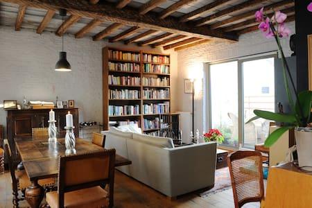 room in trendy Dansaert / St Géry - Brüssel - Bed & Breakfast