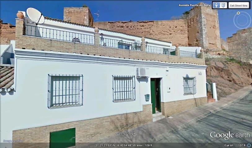 Niebla  (Huelva) murallas almorávides y río Tinto - Niebla - Hus