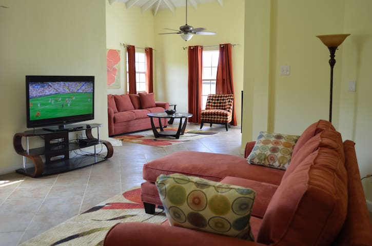 Luxury Penthouse with Best Views - Saint George Basseterre - Wohnung