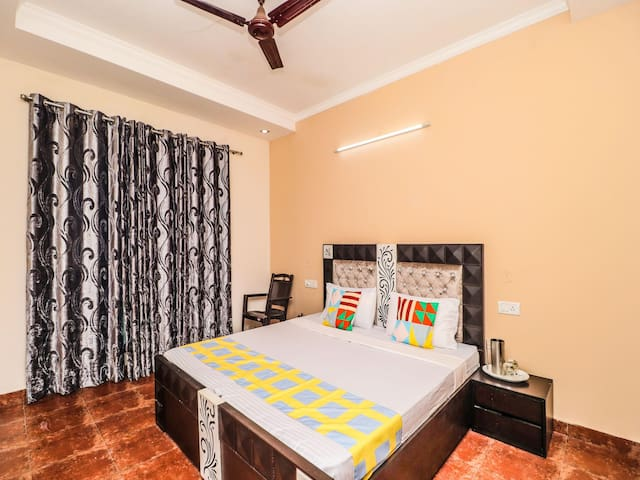 OYO - Classic 3BHK Stay, Dharampur(Marked Down!)