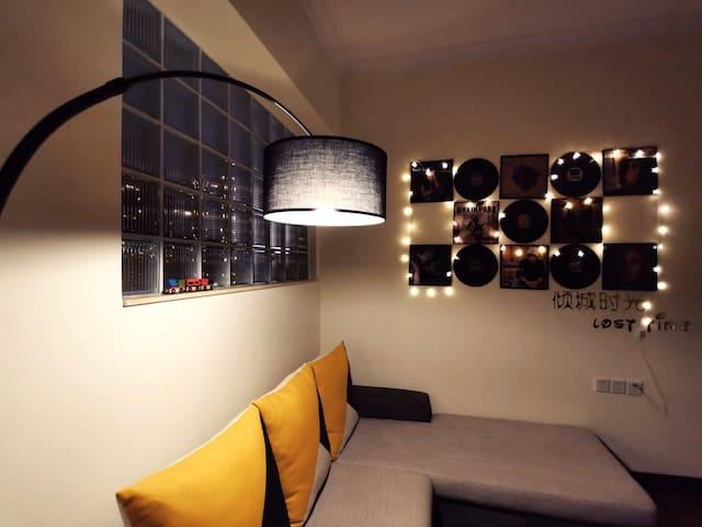 【倾城时光公寓】顺德大良|清晖园|民信仁信|新世界|私人影院|步行街|寻味顺德|清爽舒适生活空间|