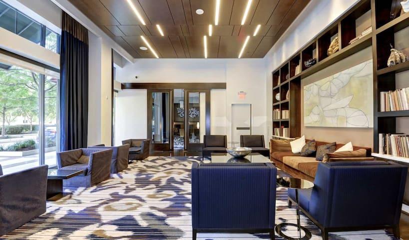 Luxury Apartment at Pentagon City - 451