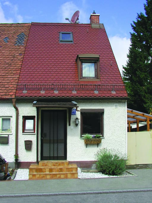 Holydayhouse near city near messe houses for rent in for Big houses in germany