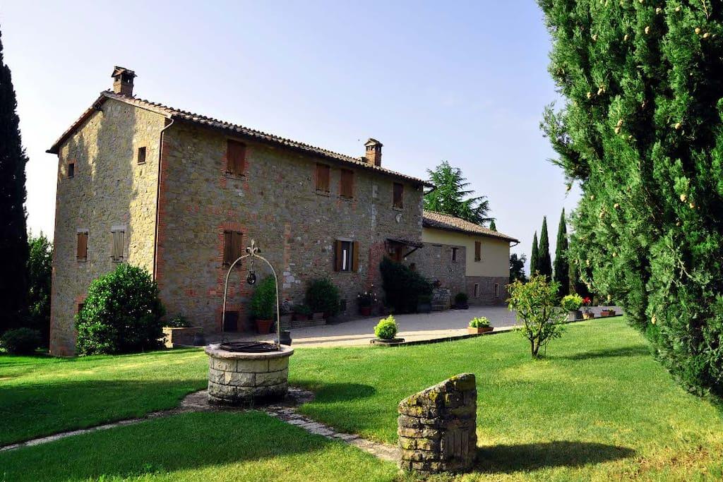 Casale per le vacanze ville in affitto a magione umbria for Ville vacanze italia
