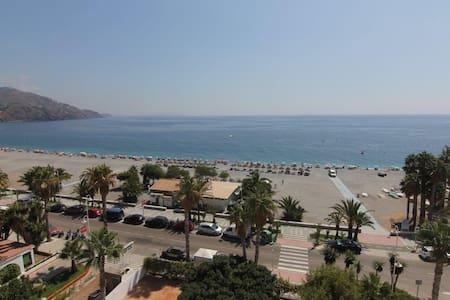 1ª línea de playa Velilla - Almuñécar