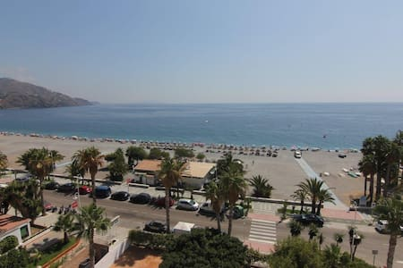 1ª línea de playa Velilla - 阿尔穆涅卡 - 公寓