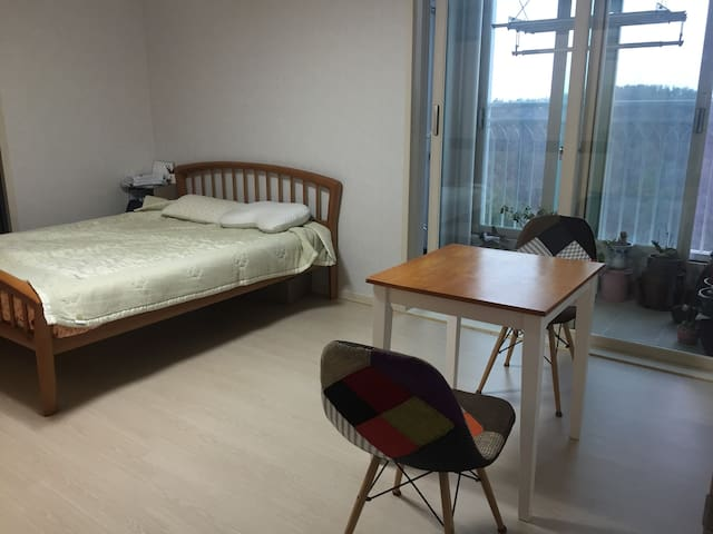 Quiet area, friendly familyhomestay - Hwaseong-si - Daire