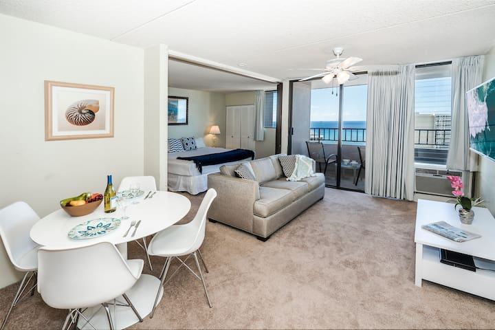 *Professionally Sanitized*Condo w/Full Kitchen+Incredible Views+FREE Parking! - Royal Kuhio Ocean 1 BDR on the 30th Floor