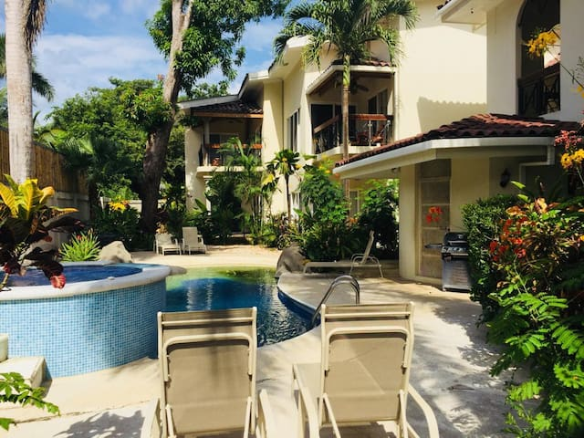 Surfside Place 8 Clean, bright with Pool and BBQ