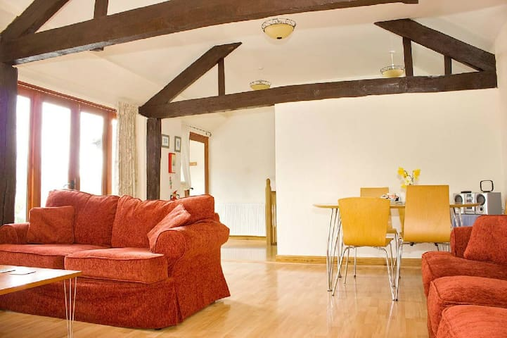 The Linhay Cosy Cottage for 5 at Lower Hearson Fm
