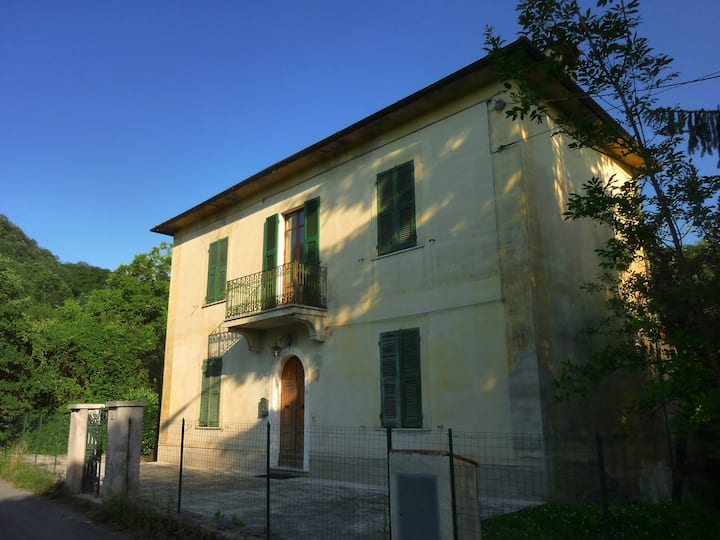 Rustic Hilltop Villa in Tuscany